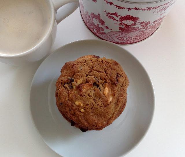 Cookies med hvid chokolade og tranebær