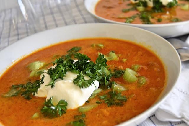 Karrysuppe med oksekød og grøntsager