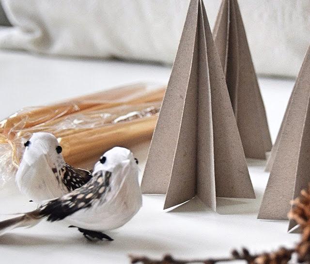 Juletræer af karton