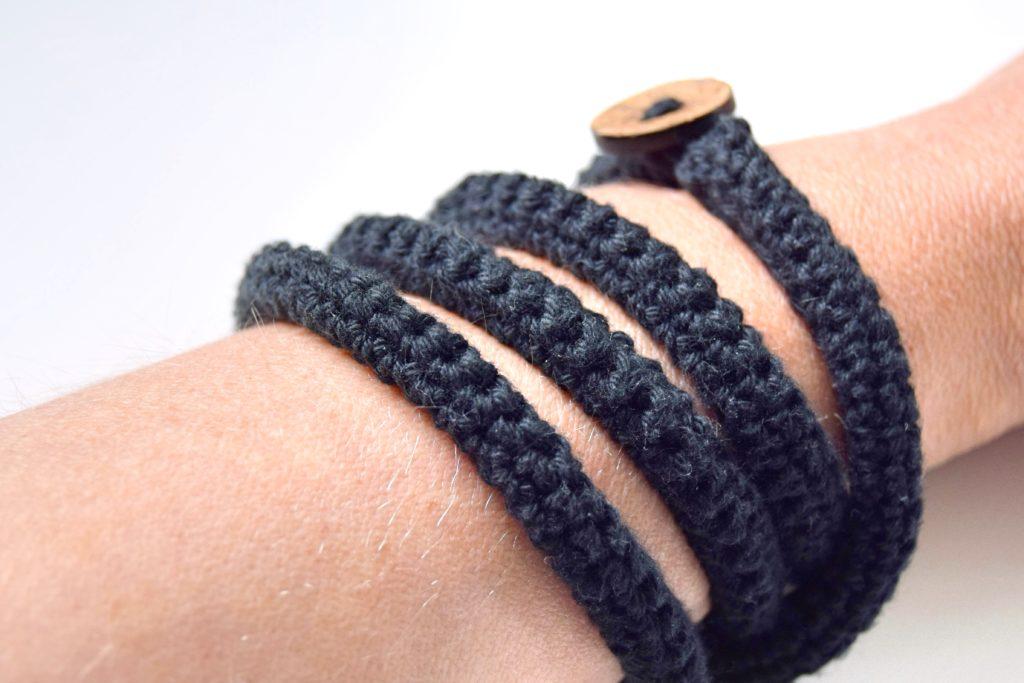 Hækleopskrifter damer, hæklet armbånd