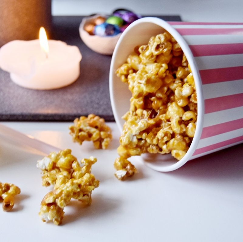 Karamel popcorn opskrift