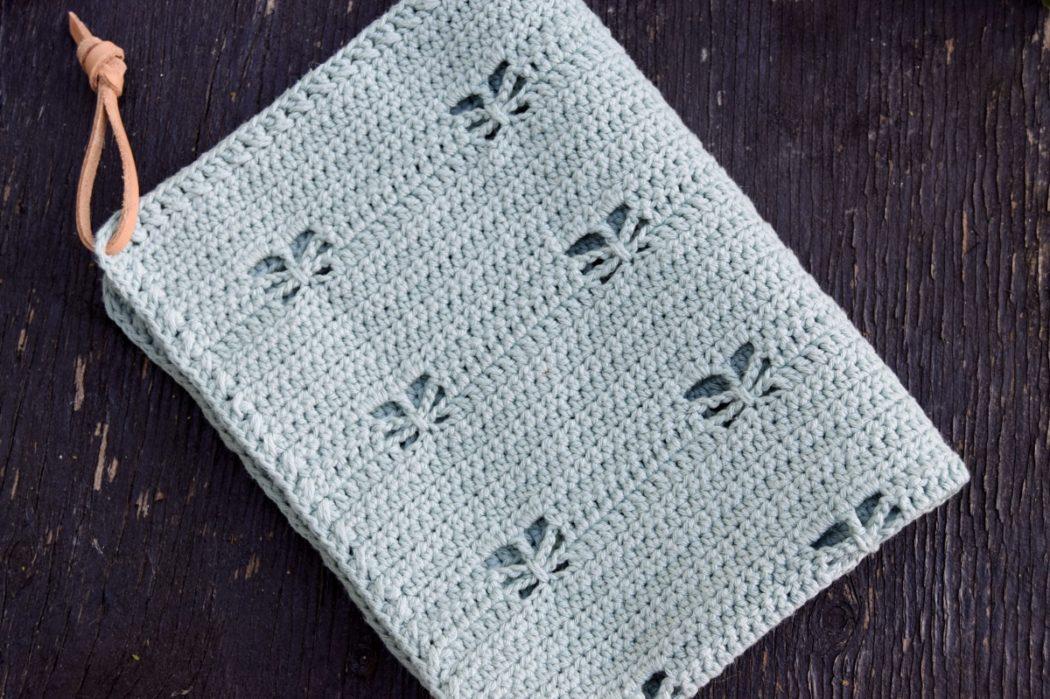 Hæklet køkkenhåndklæde med sommerfugle