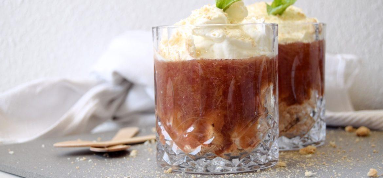 Nem rabarber dessert