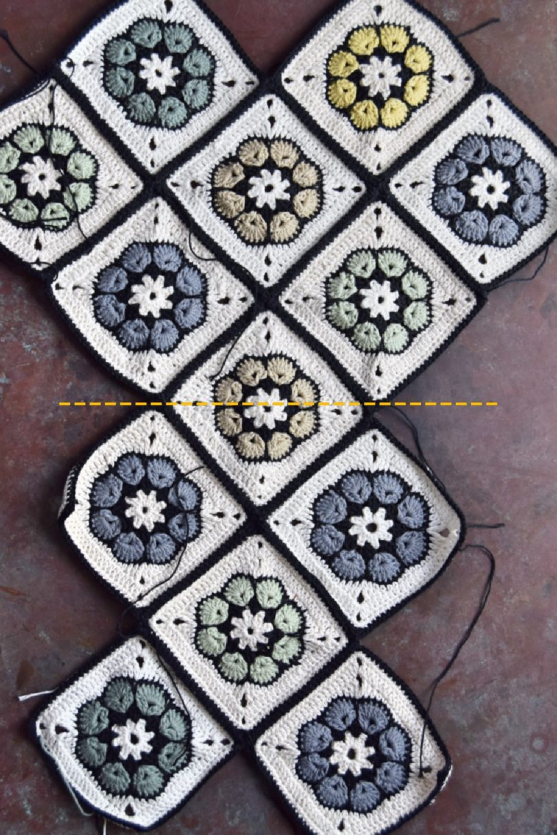 Taske hæklet af firkanter, sådan ligges firkanterne op