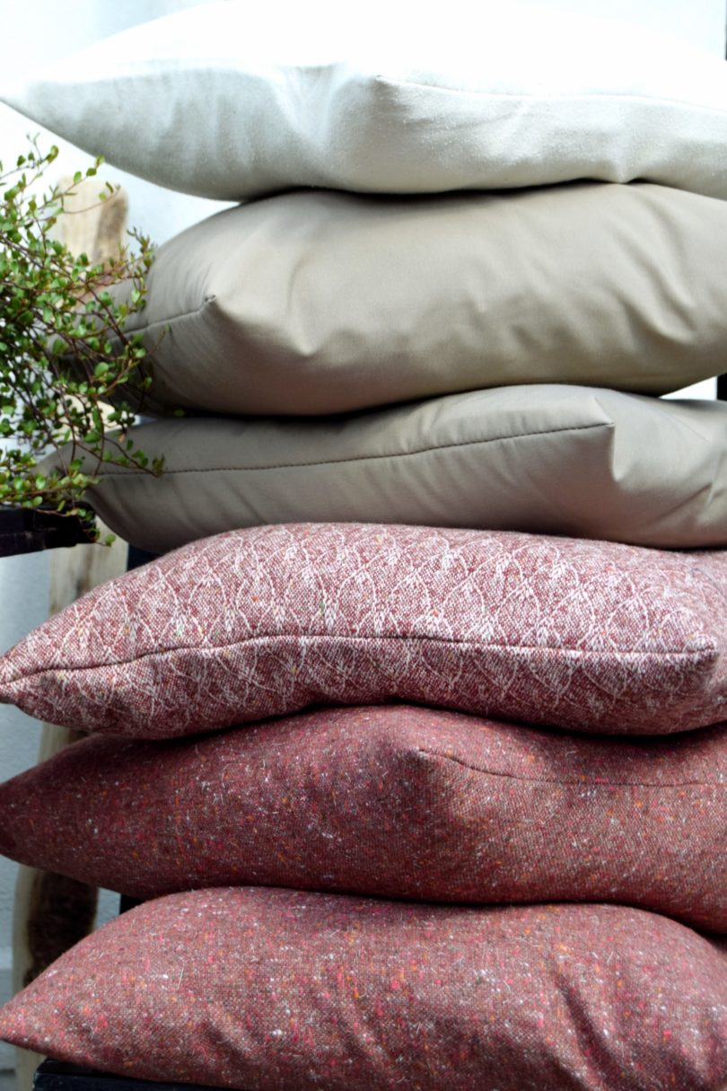 Sy selv sofapuder i efterårsfarver