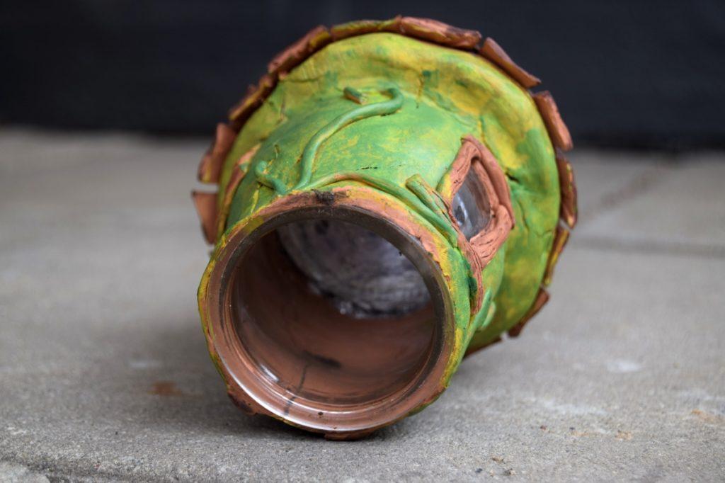 Alfehuse lavet af selvhærdende ler og syltetøjsglas