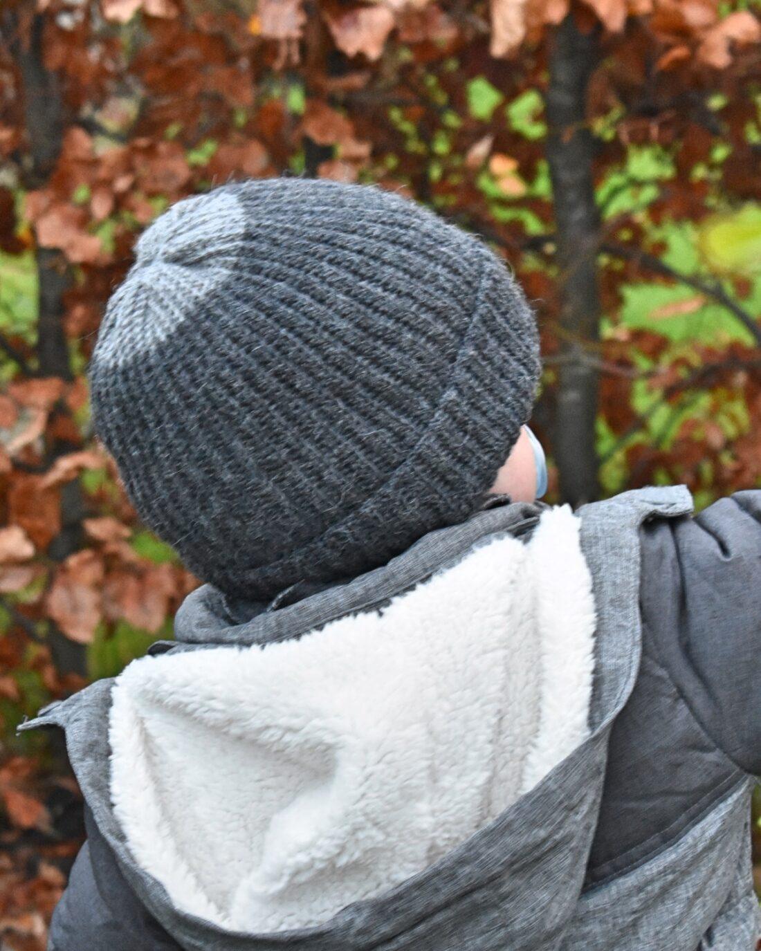 Tush huen, ribhæklet hue, hækleopskrift til børn